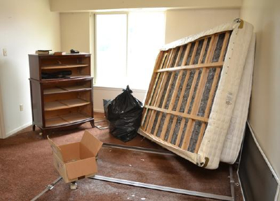 Green Guys Junk Removal provides apartment clean outs in sarasota fl